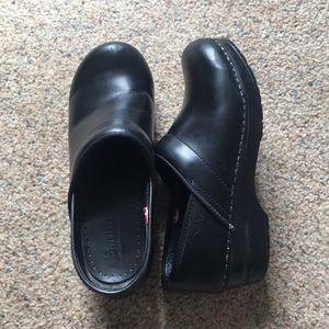 Sanita Shoes